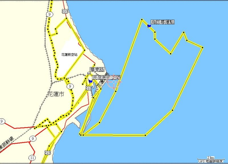 2005 Hualien Taitung travel Taiwan Whale Boat Track Map on Ocean 花東三日 4 人吃吃喝喝微旅行|花蓮、台東民宿住宿、藍白公路、海洋賞鯨