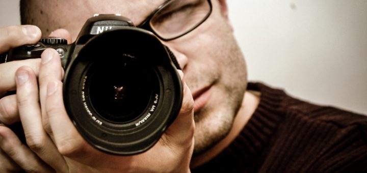 man camera photographer lens nikon 專業攝影師給初學者的100種攝影技術 學完保證拍照功力大增