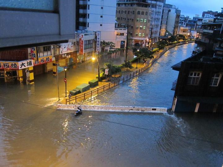 Taiwan Heavy Rain 20120611 04 4