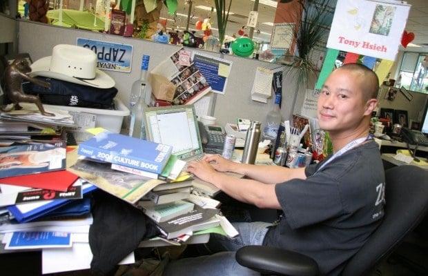 Tony Hsieh Zappos Office 全球高科技業十大超級 CEO 辦公室工作桌長這樣