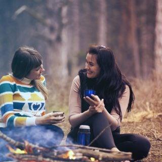 activity adult barbecue bbq warm fire wild forest 寒冬推薦暖呼呼白金懷爐的完整使用說明與操作教學(煤油燃料、電子懷爐介紹)