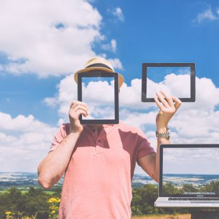 nature laptop outside macbook blue sky tablet 防止網站圖片被盜連 .htaccess 設定參數修改順便打廣告