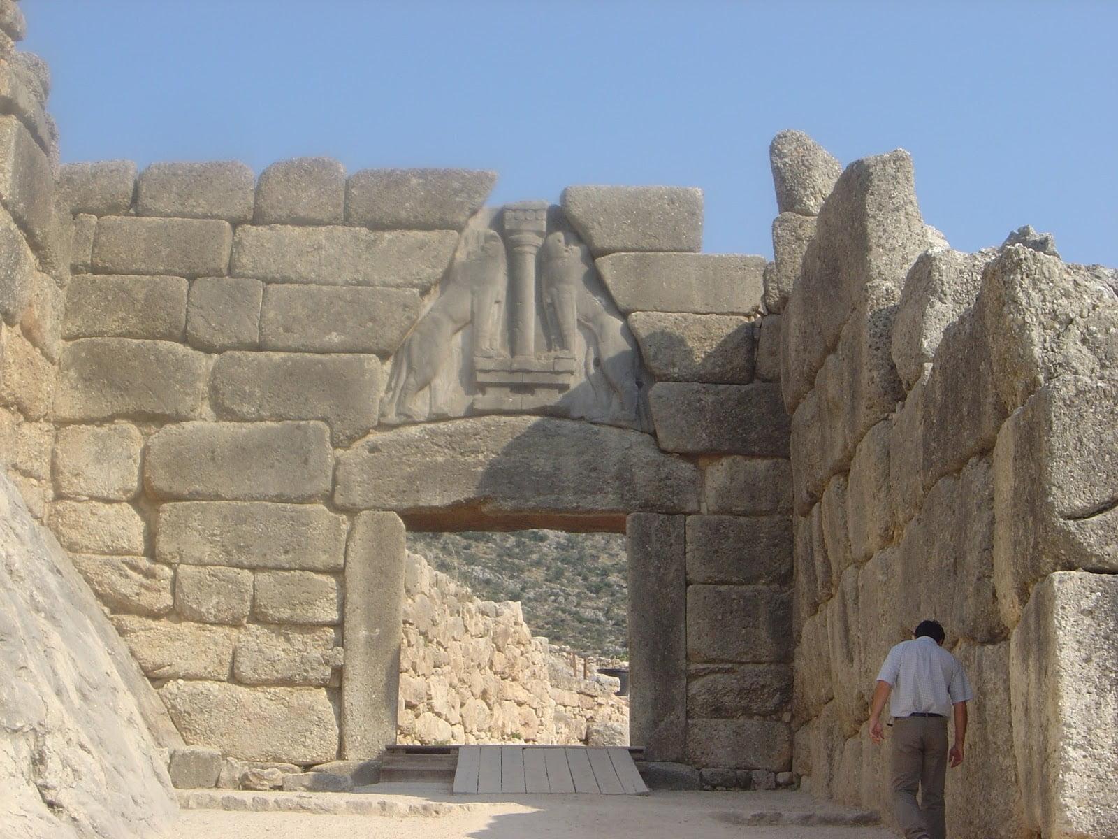 Mycenae_lion_gate