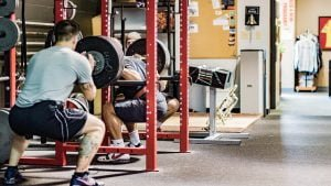 gym Squatting Weight training exercises 約瑟夫健身房日誌:光頭大叔?外國帥哥?我通通不想看見啊!