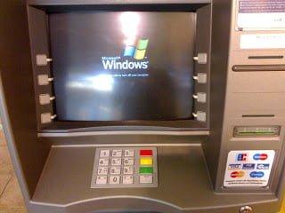 ATM image 國內經濟在銀行管理下的不自由與 銀行可以改進的方向(從ATM提款機手續費談起)