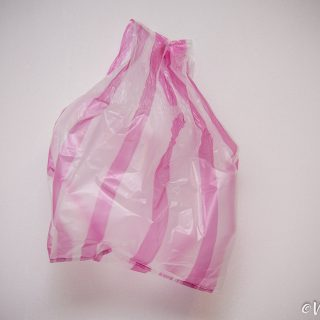 紅白塑膠袋-Red-White-Plastic-Bag-Vedfolnir