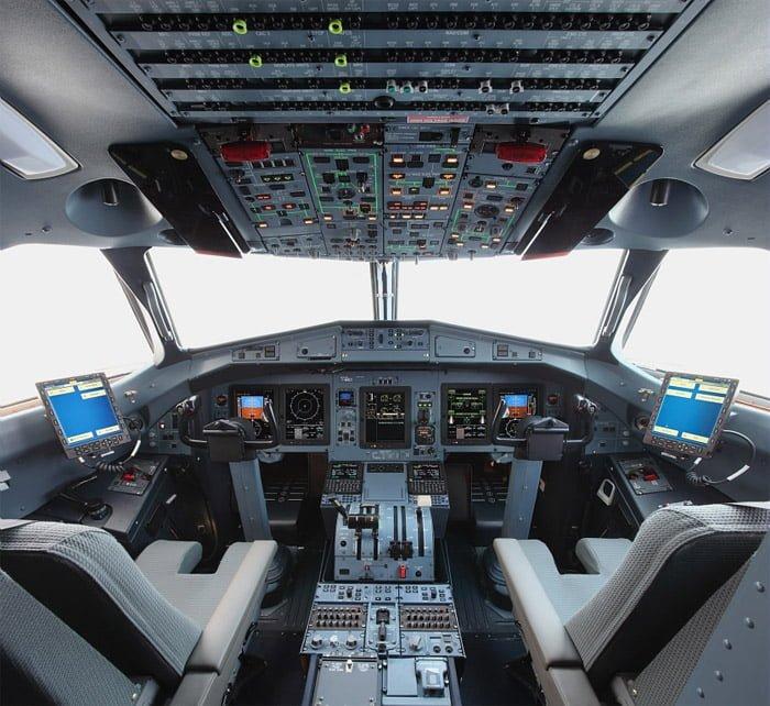 ATR-72-600-cockpit