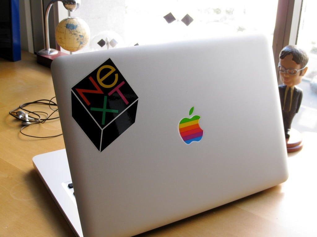 Apple-Macbook-laptop-stickers