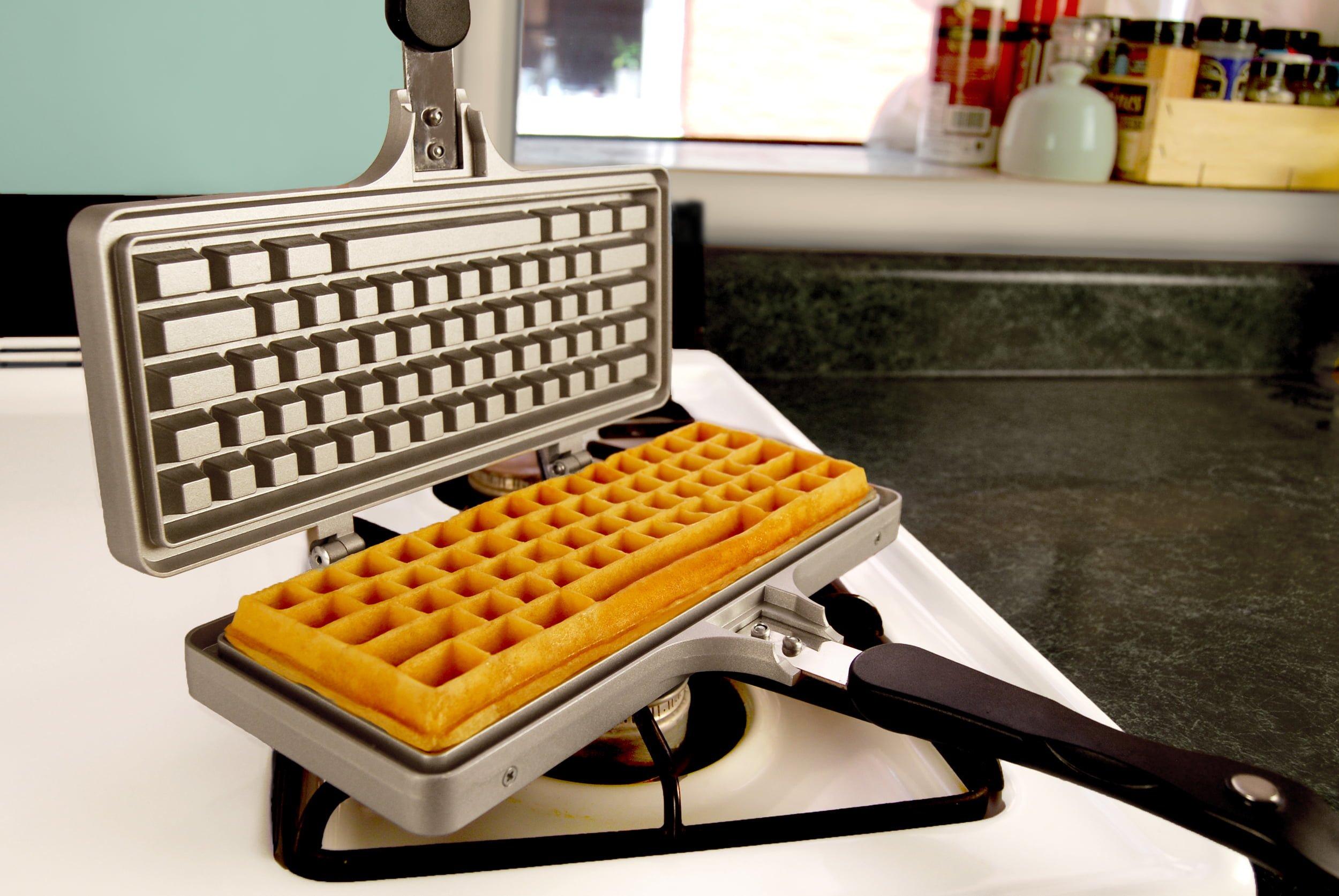 Keyboard_Waffle_Iron_Open_Stovetop_waffle_01