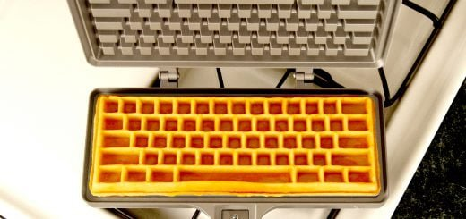Keyboard_Waffle_Iron_form_follows