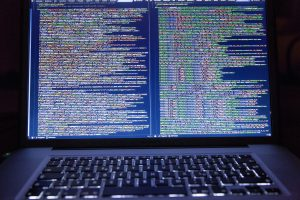 National System Monitoring Hacker Code Secret Safe 海外旅行、打工度假,千萬別用手機、平板電腦隨便這樣做(WiFi 網路資安保護)