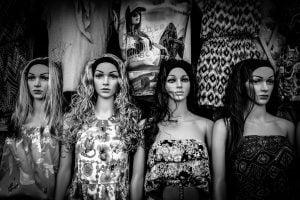 black and white dolls black white mannequine 20161221 裁縫教學/買布的陷阱 布行不告訴你的秘密