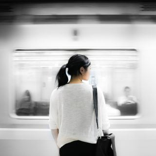 train underground subway person 台灣鐵路局 108 清明節連假加開台鐵火車班次 2019