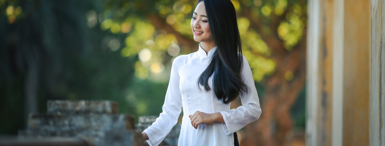 越南旅遊/新版電子簽證上路,25美元上網申請(補充官方回應) fashion person woman girl Vietnam
