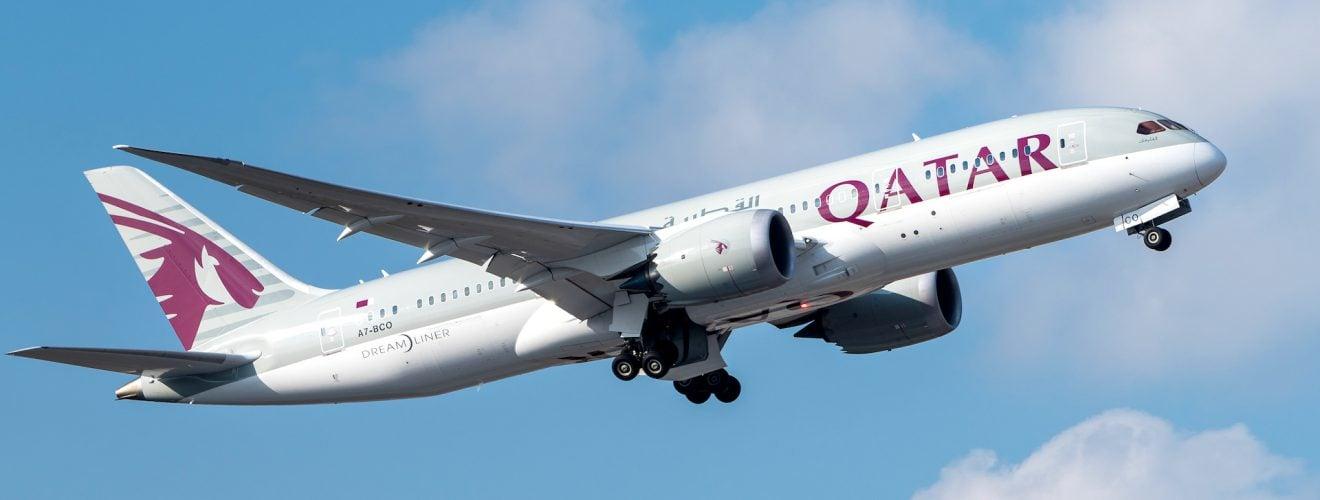 Qatar Airways Boeing Airplane Travel 購買「卡達航空」飛沙烏地阿拉伯與埃及旅客注意,因應多國斷交將暫停部分航班!