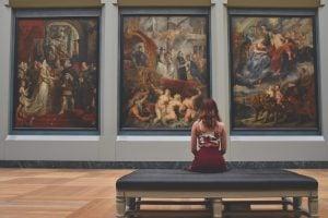 British Museum red art relaxation girl 英國倫敦 10 個必須去一次的旅遊聖地 十大熱門景點大公開