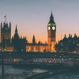 Tower of london night lights bridge UK 英國倫敦 10 個必須去一次的旅遊聖地 十大熱門景點大公開