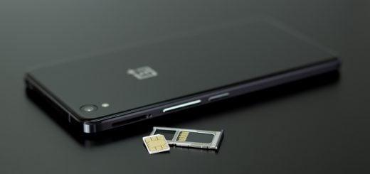 oneplus smartphone black and white sim prepaid internet 英國旅行上網方案的選擇(Giffgaff 網路吃到飽預付卡、Wifi 無線分享器)