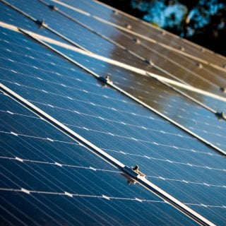 alternative alternative energy clean energy close up 關於日本在屋頂上安裝太陽版的議題探討(苦力的行萬里路版)
