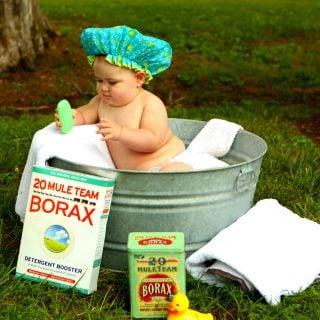 shirtless baby boy in galvanized tub Wash Hair 懷孕產後坐月子保養,正確洗頭、洗澡破除中醫迷信