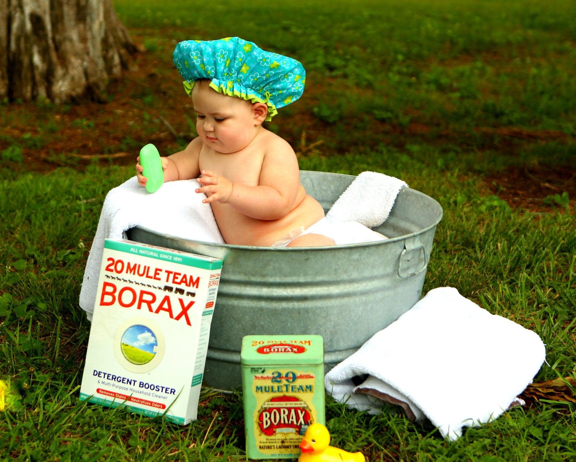 shirtless baby boy in galvanized tub Wash Hair 幼兒、孩童服用成藥、醫生處方用藥時之兒童用藥安全須知
