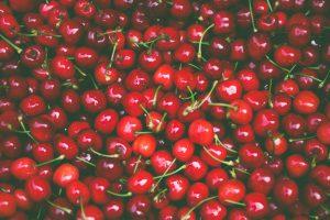 迪化街年貨購物,買櫻桃巧遇黑心商人嚇到我咬手手(台北踩雷篇) Nature RED pile of cherry fruit