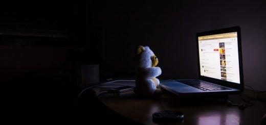 bear business computer connection dark monitor 媒體還有沒有救?那政府有救嗎?