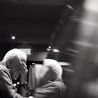 white haired man in jacket with watch old Elderly 健康知識:謹記中風 3 大症狀,把握黃金 3 小時急搶救