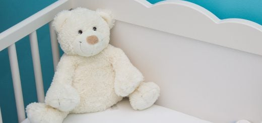 baby bed blue blur room bed bear 在南韓意外懷孕早產的孟太太 外交部和百萬醫療費