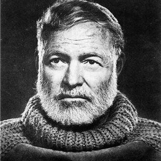 Ernest Miller Hemingway Portrait 編輯分享:作家書寫小說、劇本的故事大綱的必學文學技巧