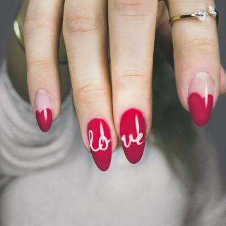 Nail polish finger red and white manicure with love mark 挑錯指甲油更傷身!醫生教你 5 妙招正確選購美麗又健康的指甲油