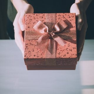 adult birthday birthday gift box 中華電信母親節促銷:行動網路吃到飽 299、399、499、599 元優惠方案解析