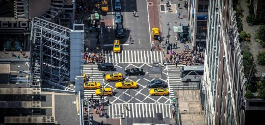 buildings cars city cityscape city vehicles street taxi cab 自動駕駛時代,無人駕駛車六大輔助駕駛等級分類