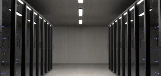 Server room Computer NAS IDC LAB Internet Data Center NAS 網路儲存裝置、行動硬碟的優缺點分析與推薦