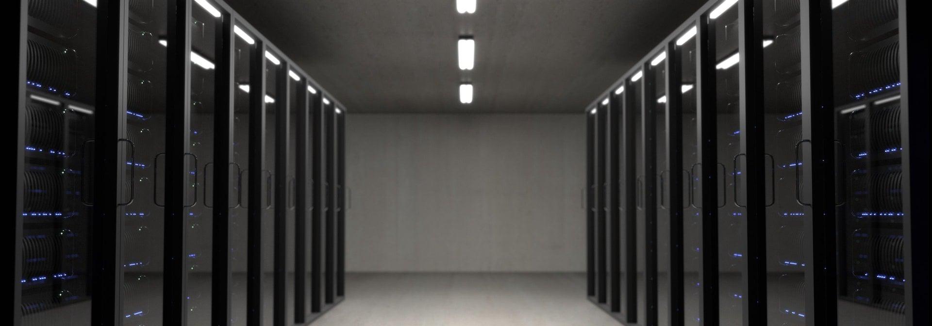 Server room Computer NAS IDC LAB Internet Data Center 在 Google GCP 雲端平台與 Bluehost 架設 WordPress 的網速效能比較