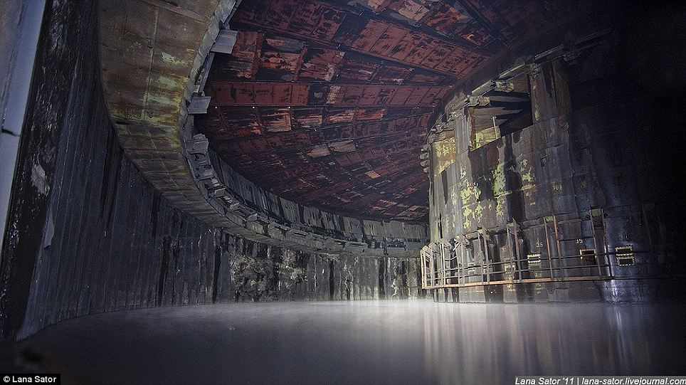 Secret Photography NPO Energomash factory of Russia 02 俄羅斯少女 Lana 秘密潛入莫斯科火箭工廠