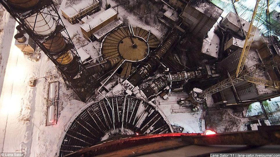 Secret Photography NPO Energomash factory of Russia 09 俄羅斯少女 Lana 秘密潛入莫斯科火箭工廠