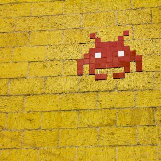 mosaic alien on wall art fun CyberPanel升級手動操作新手小技巧