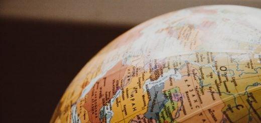 ball globe earth map 澳洲 Australia 與奧地利 Austria 相像的英語發音與歷史演變