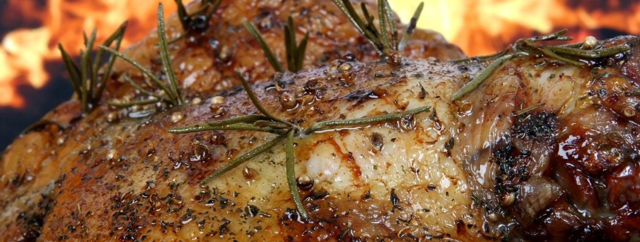 Kitchen roast chicken rosemary flame barbecue bbq food 宵夜時間:萬惡的登山乾糧「營養口糧」