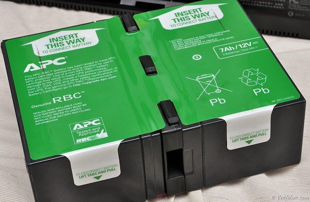 APC UPS 專用大容量電池。