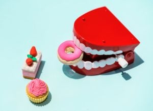 sweet cake candy mouth plastic toy food plastic toys teeth 台北京站一樓「來吧義大利 Come On Italy」餐廳食後感(台北火車站旁)