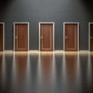 choices decision doors doorway change desire 喜歡嗎?心動嗎?渴望嗎?隨心勇敢行動,機會只有一次