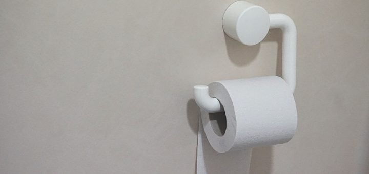 white toilet paper wall 衛生紙搶購之亂... 我也買了一箱