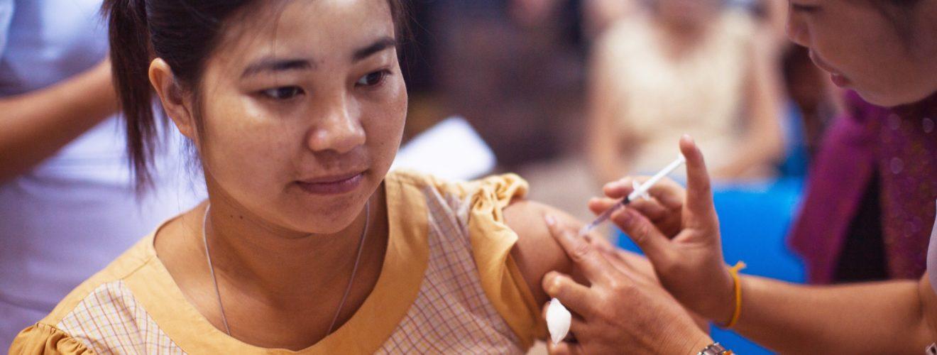 COVID 19 vaccine medicine medical 新冠病毒肺炎之公費疫苗接種施打對象順位排序